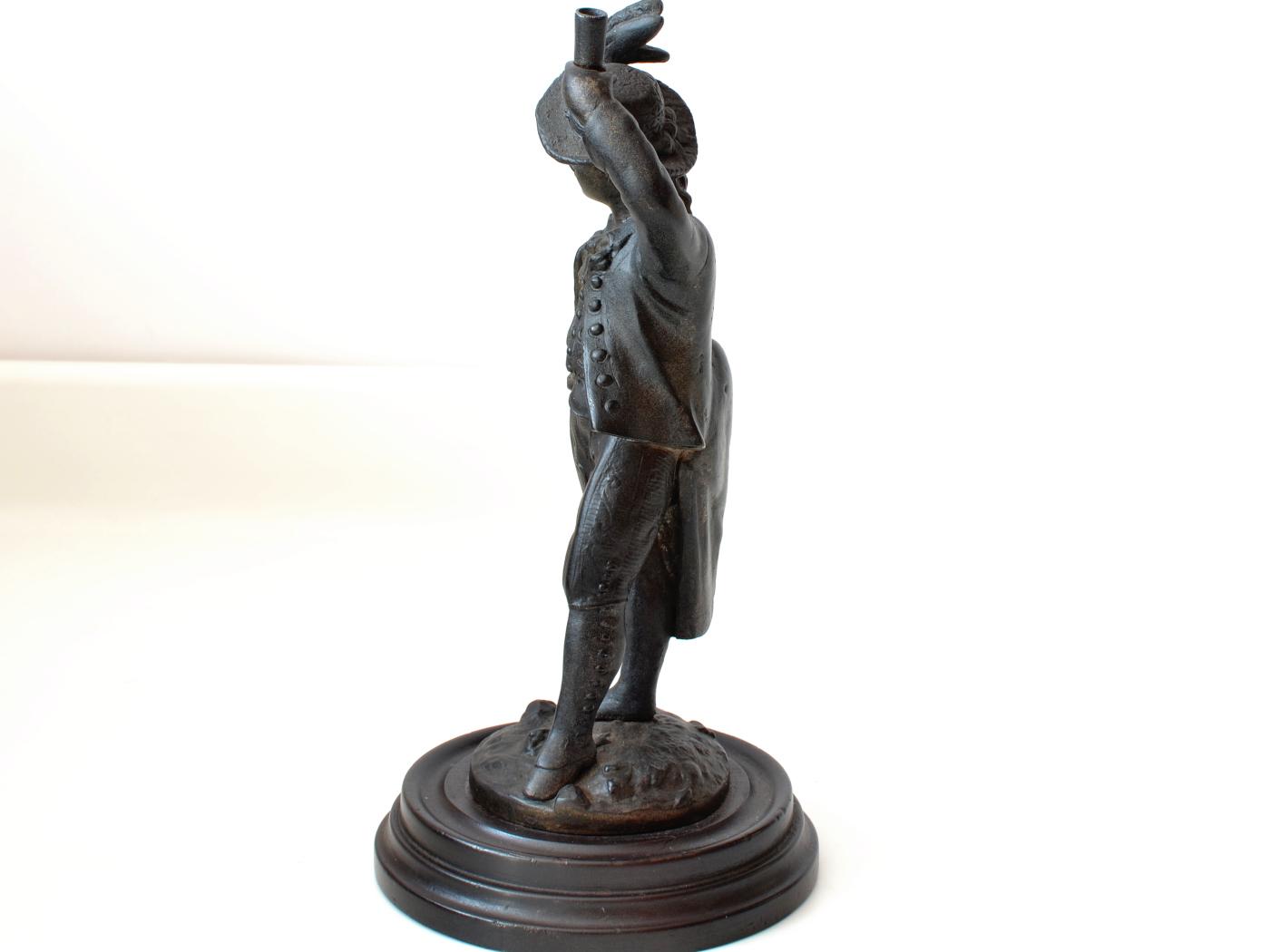 Statuie cavaler sec XIX