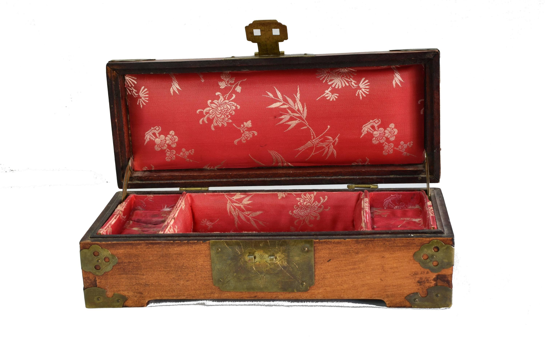 Caseta de bijuterii din lemn de trandafir