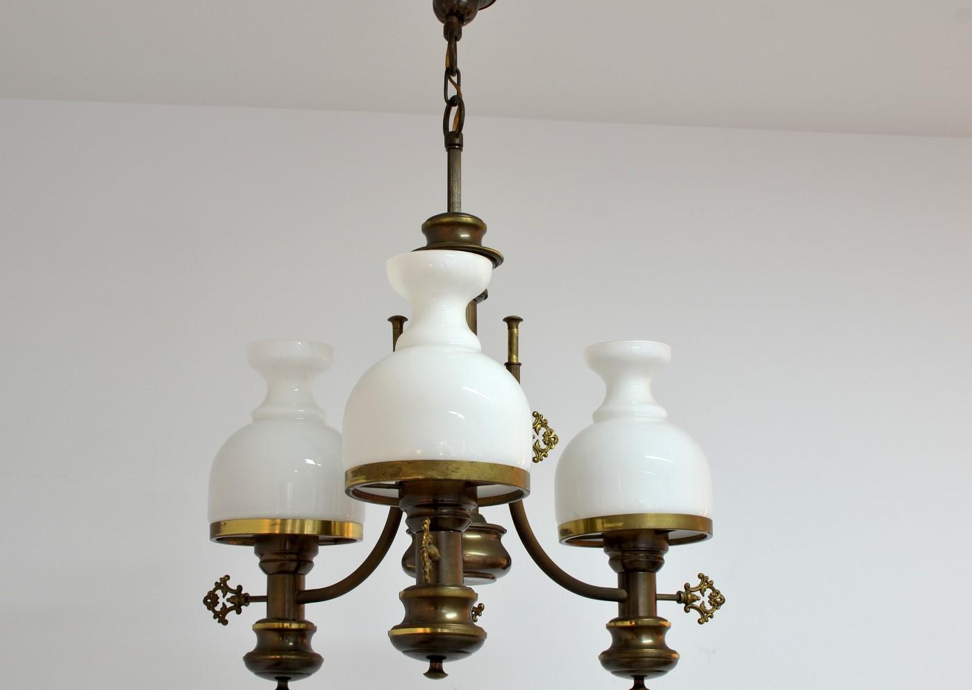 candelabru din alama bronz si sticla opalina magazin antichitati bucuresti online anticariat. Black Bedroom Furniture Sets. Home Design Ideas