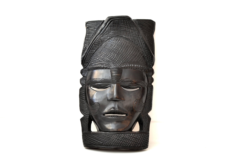 Masca africana din abanos