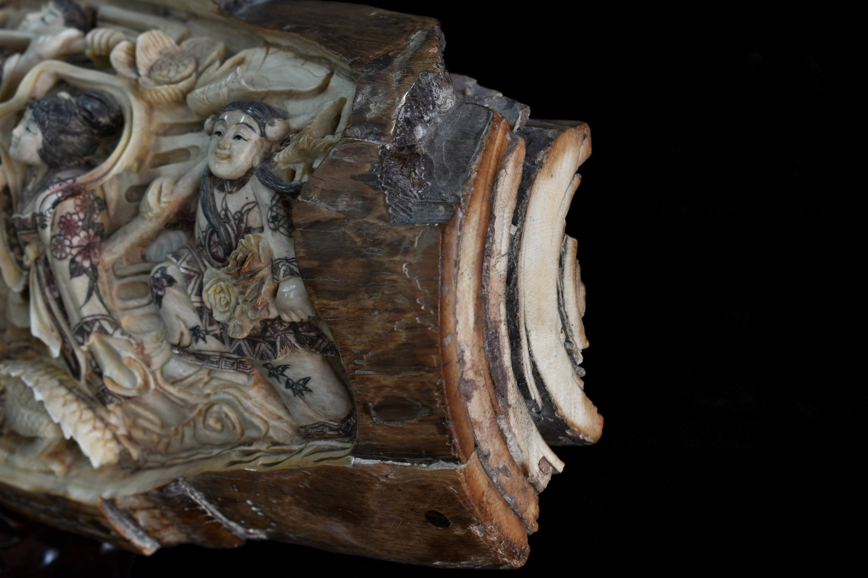 Fildes de mamut sculptat