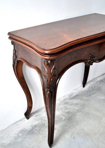 Masuta de joc sau consola stil Louis XV lea din lemn si furnir de palisandru