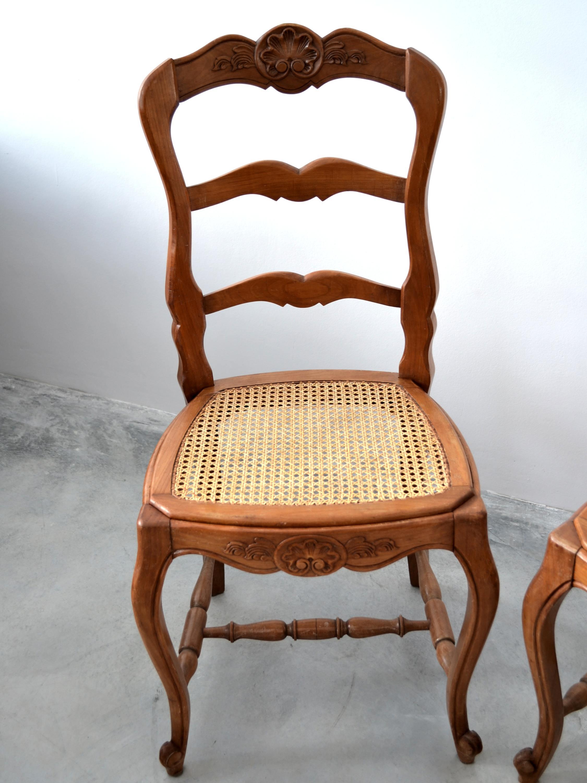 Set 2 scaune Louis al XV-lea din stejar cu sezut din pai vienez