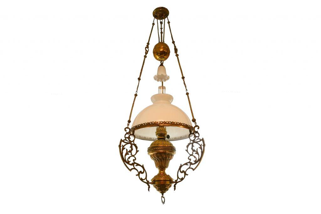 Lampa pe gaz din bronz cu sticla opalina
