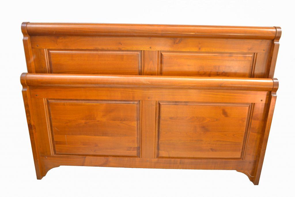 Pat din lemn de nuc stil Louis Philippe