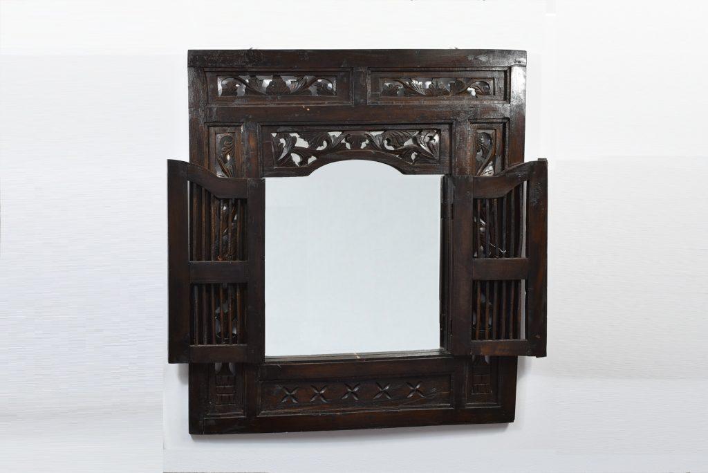 Oglinda din lemn sculptat, cu usi