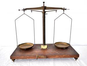 Balanta de bijutier ,veche, belgiana