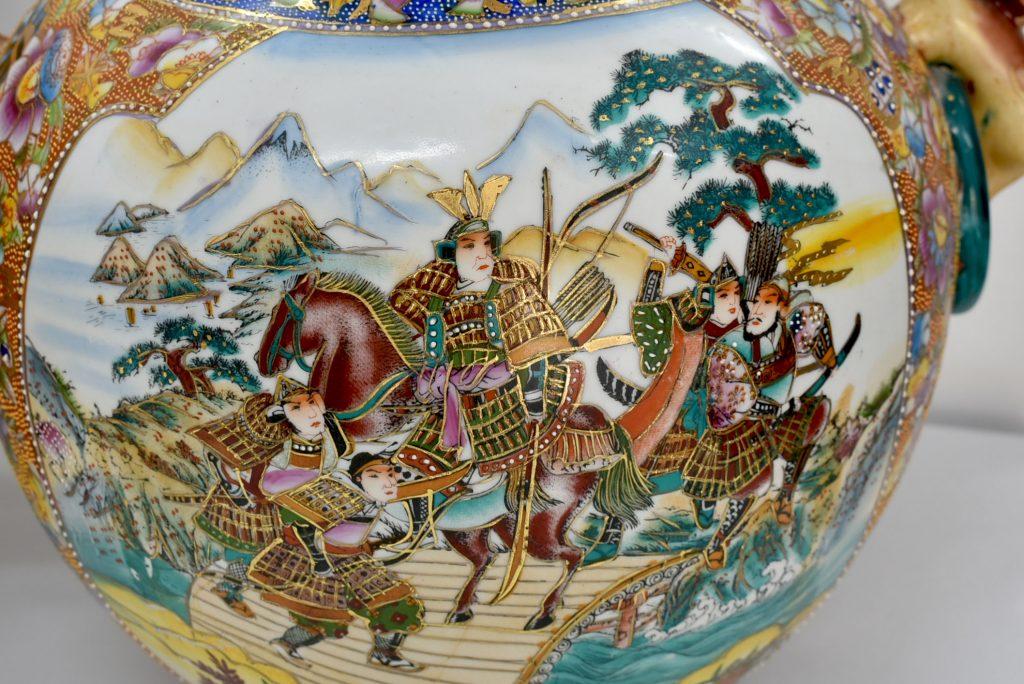 Doua vase chinezesti Satsuma din portelan