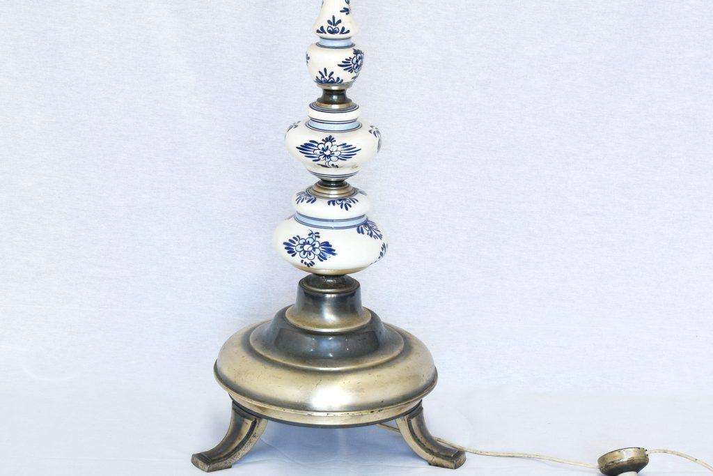 Lampadar cu picior din tin argintat si portelan pictat Delft Blue