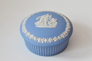 Caseta din ceramica stil Jasperware Wegdwood