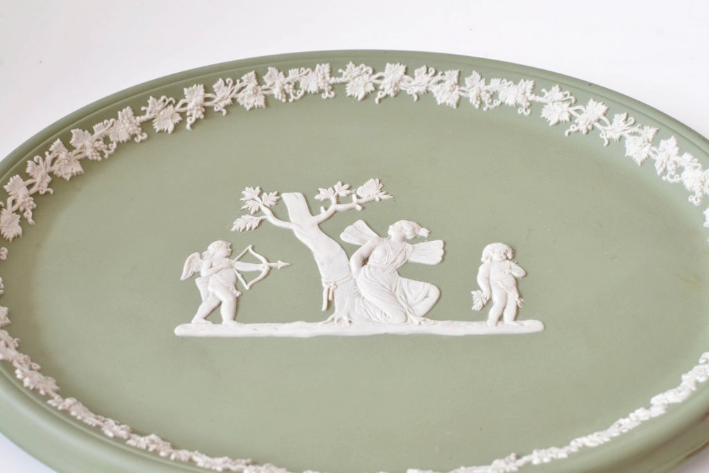 Platou din ceramica Jasperware Wedgwood