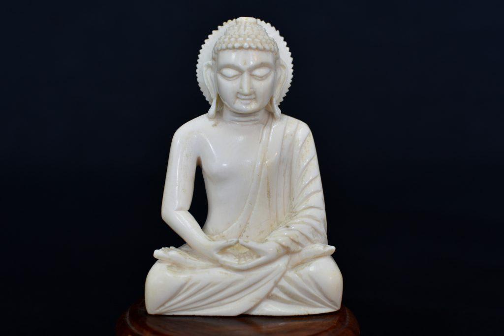 Statueta Buddha din fildes de hipopotam