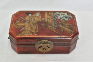 Caseta japoneza cu picturi erotice