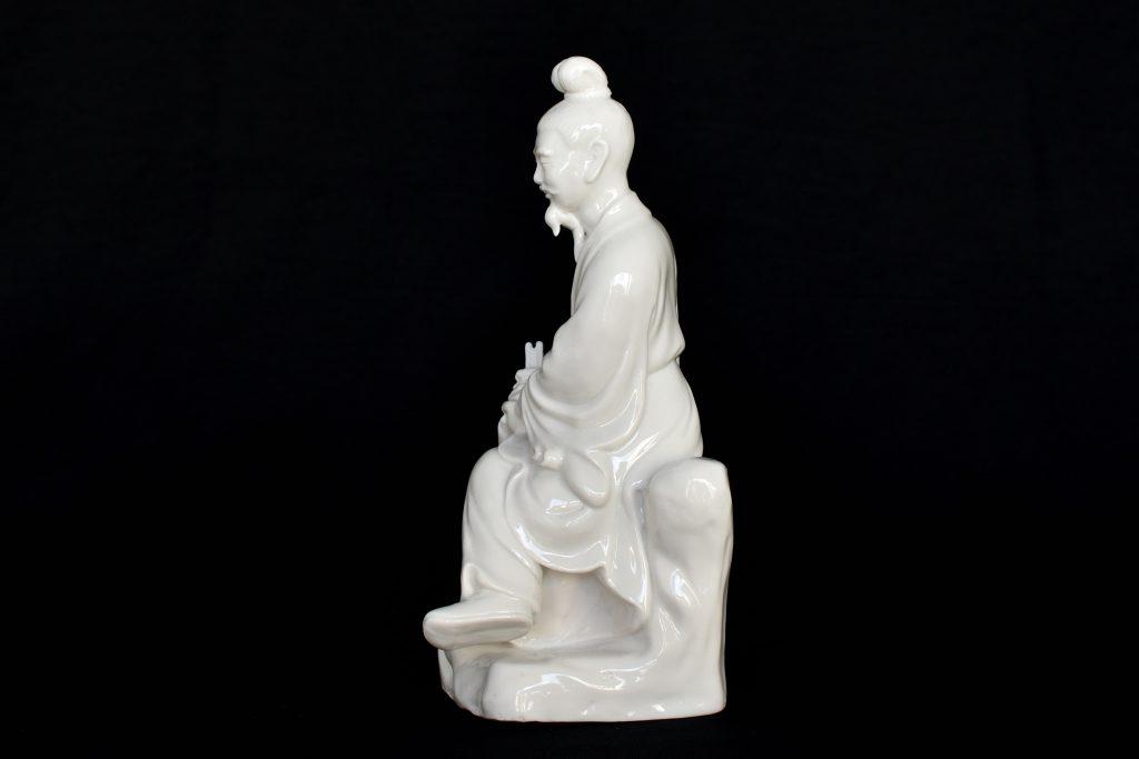 Statueta chinez din portelan