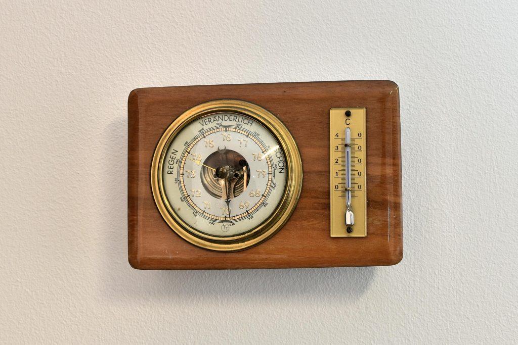 Barometru si termometru