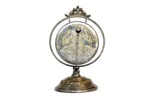 Gong din bronz argintat