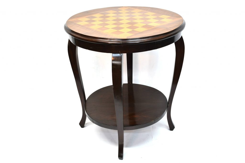 Masa cu tabla de sah