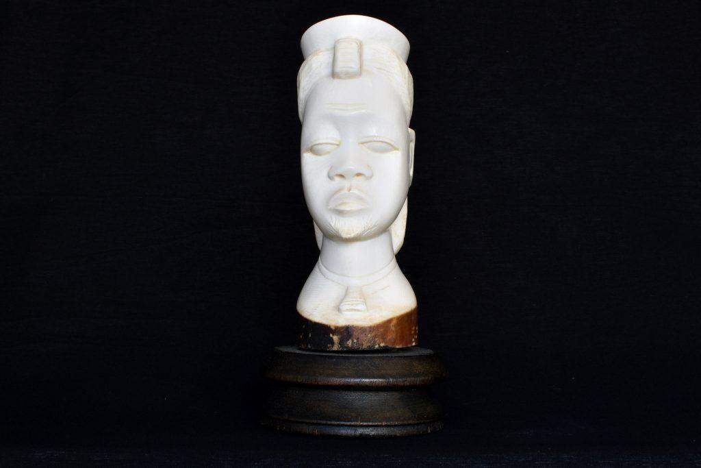 Sculptura cap de african