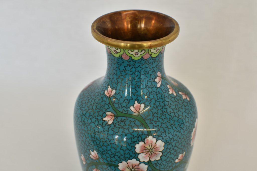 Vaza cloisonne albastra cu flori