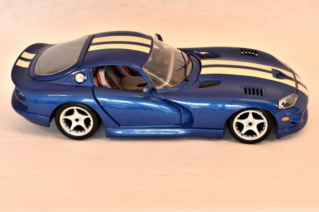 Macheta Burago 1.18 Viper Dodge