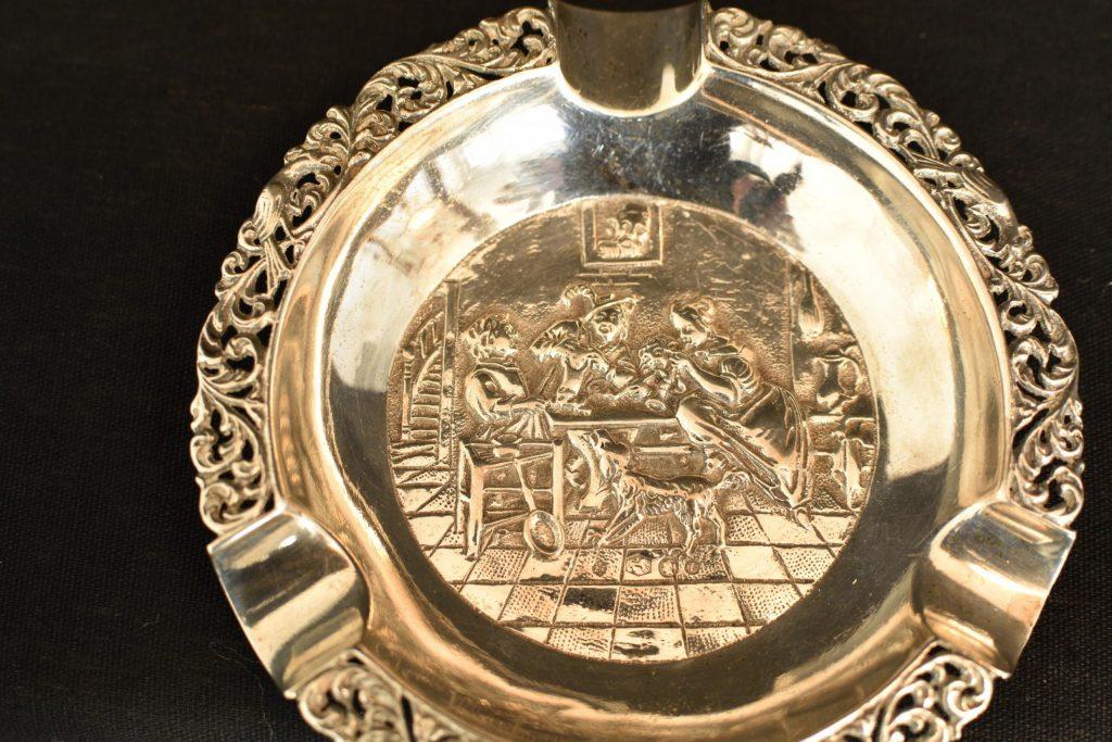 Scrumiera din argint