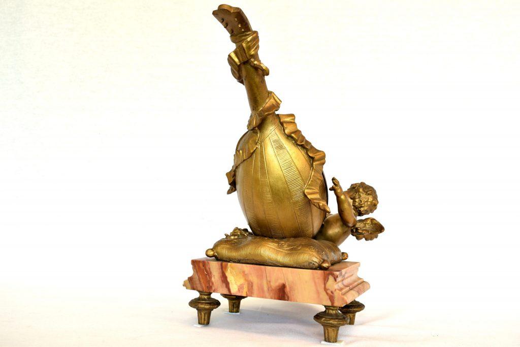Statueta semnata de Auguste Moreau