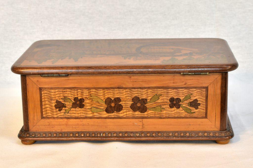 Cutie de bijuterii Art Nouveau
