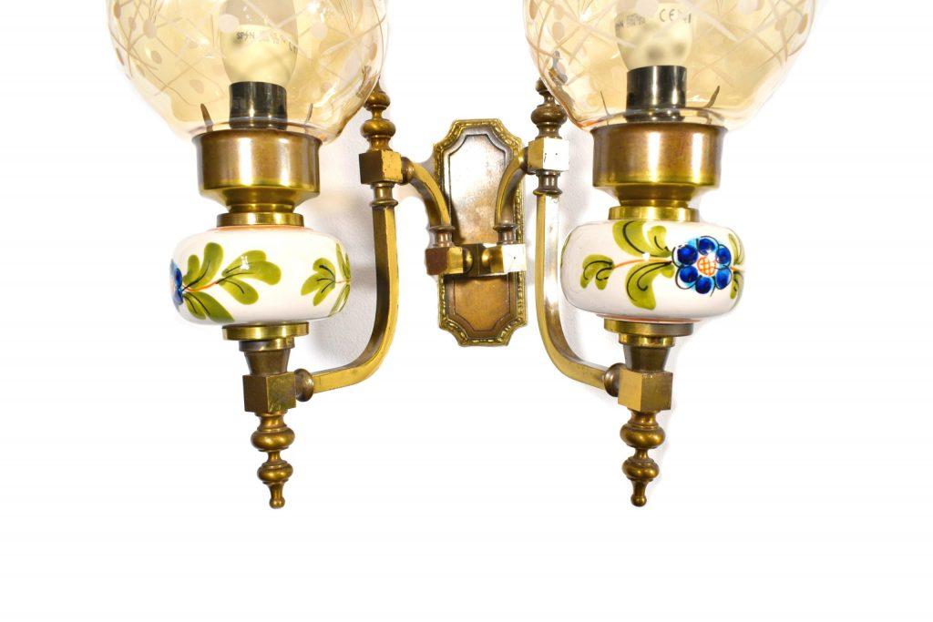 Aplica cu ornamente din ceramica