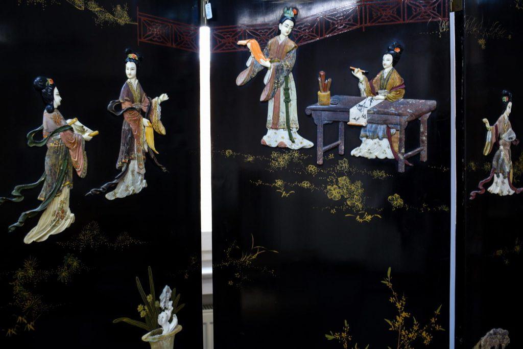 Paravan chinezesc cu aplicatii din fildes